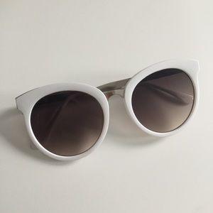 Accessories - Pretty White Sunglasses